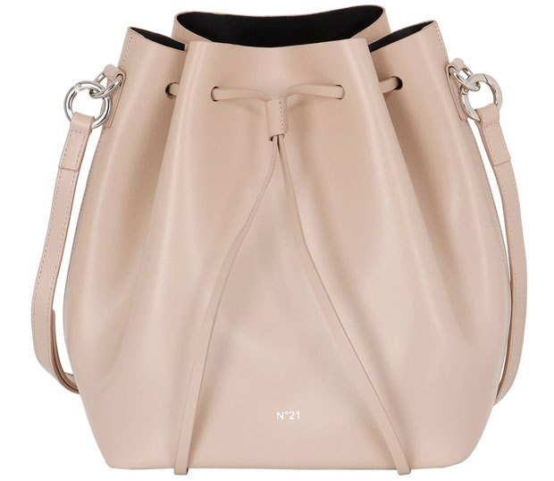 No21 bucket bag nude