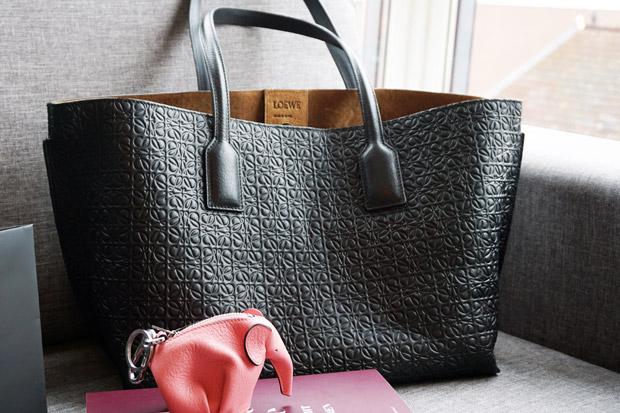 Chanel broche Loewe Elephant