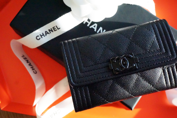 Chanel Boy cardholder so black