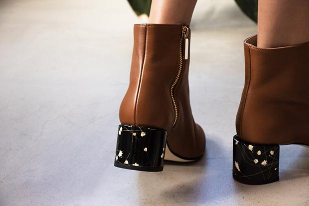 Dear Frances Vera boots black