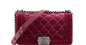 Chanel pre-fall tassen Boy red velvet