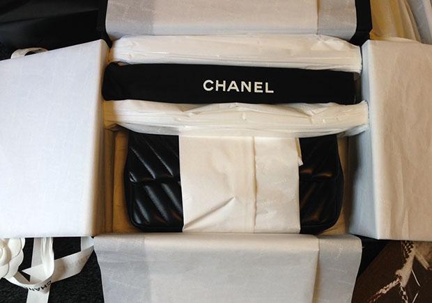 Chanel tas tissue paper ingepakt
