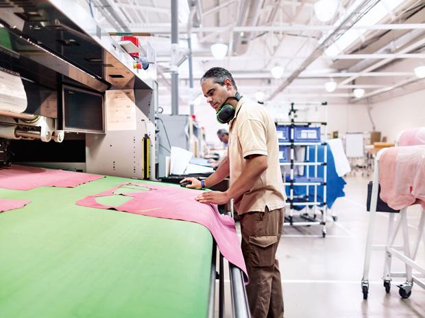 Loewe Puzzle bag factory