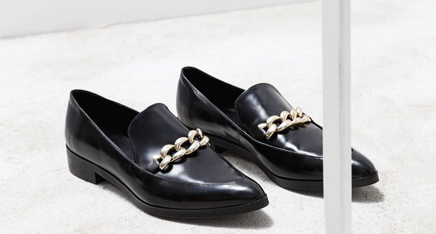 trend puntige loafers mango